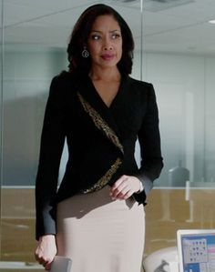 Outfit worn by Jessica Pearson in Suits.