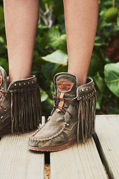 Italian made from luxe suede these moccasin boots features statement fringe detailing and metal stud detailing. - Hidden wedge - Leather laces - Rubber outsole Care/Import Made in Italy Measurements - Shaft : in - Metal - Suede Contents - Metal - Suede Boot Over The Knee, Over Boots, Trend Fashion, Boho Fashion, Fashion Shoes, Fashion Outfits, Womens Fashion, Boho Boots, Cowgirl Boots