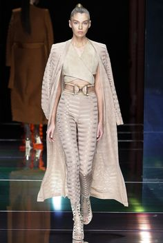 Balmain - Paris Fashion Week- Spring/Sumer 2016 - PFW SS16