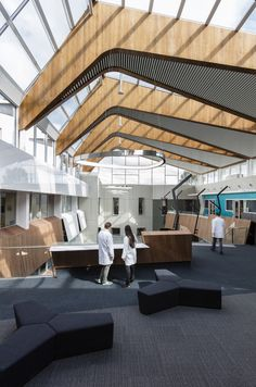 Deakin University, Burwood Campus, Melbourne DS Architects were engaged in 2014 to convert an existing three-storey building at the university's primary campus in Burwood, Melbourne into a ne…