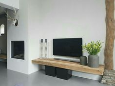 Wooden board nice as TV furniture but where does the DVD player come from? - Home Decoraiton Wooden board nice as TV furniture but where does the DVD player come from? Living Room Tv, Home And Living, Tv On Wall Ideas Living Room, Apartment Living, Cool Rooms, Living Room Designs, Sweet Home, House Design, Interior Design