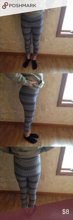Girls sweater like leggings Thick sweater like material. Very warm. Cute print for winter Bottoms Leggings