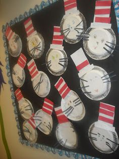 Learning With My Kiddos: Cat in the Hat Bulletin Board
