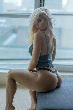 Hot nude blow job sex