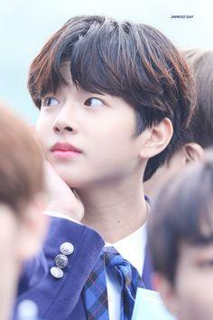 ʟᴇᴇ ᴊɪɴᴡᴏᴏ (이진우) Produce 101, Kpop Boy, Teen, Boys, Korean, Baby Boys, Korean Language, Senior Boys, Sons