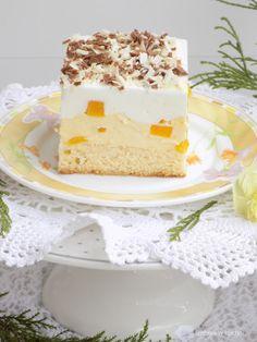 Izabela w kuchni: Ciasto z kremem budyniowym, z brzoskwiniami i cytrynową pianką.