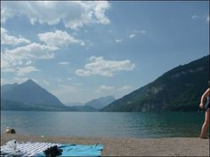 One day, im going back to switzerland and when i do. Lake Thun is going to be the first place i go (: