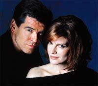 The Thomas Crown Affair with Rene Russo & Pierce Brosnan. Rene Russo, Great Haircuts, Shaggy Haircuts, Thomas Crown Affair, Pierce Brosnan, Strawberry Blonde, Celebs, Celebrities, Role Models