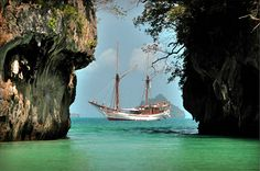 Silolona - Private Yacht Charter in South East Asia