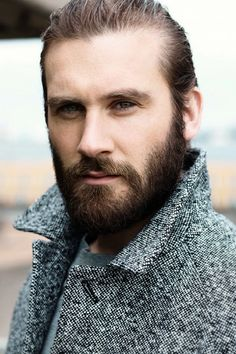 Clive Standen of Vikings: Rollo Barba Sexy, Vikings Tv Show, Vikings Actors, Watch Vikings, Actrices Sexy, Viking Men, Sexy Beard, Charlie Hunnam, Hair And Beard Styles