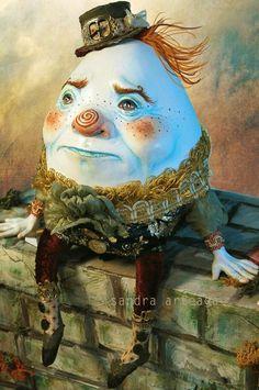 humpy dumpty by Sandra Arteaga Sandro, Art Macabre, Alice In Wonderland Crafts, Tales For Children, Desert Art, Humpty Dumpty, Fairy Art, Chalk Art, Nursery Rhymes