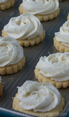 VANILLA BEAN SHORTBREAD COOKIES