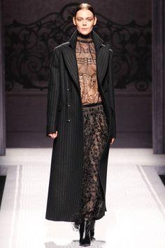 Alberta Ferretti Fall 2012 Ready-to-Wear Fashion Show - Kinga Rajzak