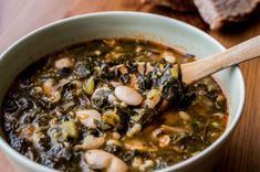 crockpot turkey kale and bean soup. Easy to prepare. Great for those busy evenings. Kale And Bean Soup, Crock Pot Soup, Cheeseburger Chowder, Ramen, Crockpot, Chili, Beans, Low Carb, Gluten Free