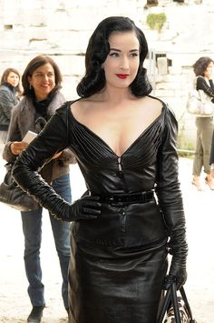 PARIS - OCTOBER Dita Von Teese arrives at the Christian Dior Pret a Porter show as part of the Paris Womenswear Fashion Week Spring/Summer 2010 on October 2009 in Paris, France (Photo by Dominique Charriau/WireImage) Dita Von Teese Burlesque, Dita Von Teese Style, Dita Von Tease, Pin Up, Leder Outfits, Aesthetic Women, Style Retro, Gothic Fashion, Paris Fashion