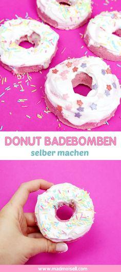 DIY Donut Badebomben selber machen – Schnelles DIY Geschenk! Ich finde übrigens, diese Donut Badebomben machen sich super als hübsches DIY Weihnachtsgeschenk oder einfach mal so als Geschenk für die beste Freundin. Das müsst ihr unbedingt mal ausprobieren, denn wer freut sich nicht über Donut Badebomben?