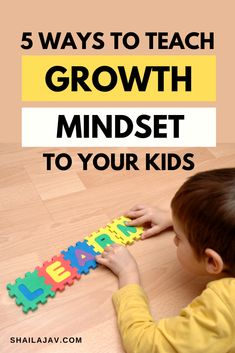 How to help your kids develop a growth mindset and fall in love with learning for life. Simple tips that help parents and kids. Mindful Parenting, Peaceful Parenting, Gentle Parenting, Parenting Advice, Kids And Parenting, Learning For Life, Kids Learning, Back To School Hacks, School Tips
