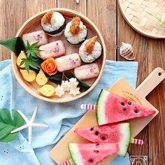 ouchigohan.jp 2017/08/10 18:08:28 【キャンペーンのお知らせ】 .�毎日暑い日が続いていますが、みなさん夏を楽しんでいますか?😆🙌🎶🏝 夏と言えば、スイカにかき氷など思わずスマホで写真を撮りたくなってしまうシーンがたくさんありますよね😋🍉🏄✨ . そこで、いつもステキな写真をインスタに投稿している方にうれしいキャンペーンのご案内です😎🎤 今、auでは「毎日をスマホで撮影したオシャレな写真= #スマホジェニック」な写真をインスタグラムに投稿すると抽選で30名様にプレゼントが当たるキャンペーンを実施中! 参加の方法は、たった3STEP☝️🤓 . 1.@au_officialをフォローする 2.#スマホジェニックな写真を撮る 3.ハッシュタグ#スマホジェニックをつけてインスタへ投稿する . オシャレな写真を撮るのがちょっと苦手…と思っている人でも大丈夫! 今、 @au_official では、 #スマホジェニックにスマホで写真を撮るコツを紹介しているので、ぜひチェックしてみてくださいね。…