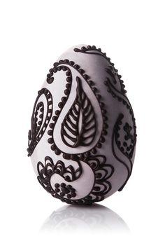 Henna Paisley Easter egg