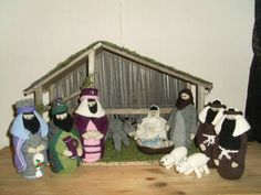 Egen strikket julekrybbe 2