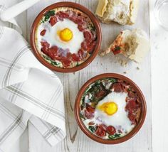 Baked eggs with spinach & tomato recipe - Recipes - BBC Good Food Bbc Good Food Recipes, Egg Recipes, Diet Recipes, Vegetarian Recipes, Cooking Recipes, Healthy Recipes, Yummy Recipes, Spinach Tomato Recipe, Spinach Bake