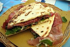 http://www.cesenaticoholidays.com/Images/events/cesenatico/piadina_days.jpg