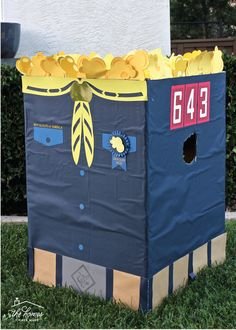 Get your Cub Scout Pack excited to sell popcorn with these fun DIY Cub Scout Popcorn Projects! Get your Cub Scout Pack excited to sell popcorn with these fun DIY Cub Scout Popcorn Projects! Cub Scout Law, Cub Scouts Bear, Tiger Scouts, Wolf Scouts, Scout Mom, Girl Scouts, Cub Scout Skits, Cub Scout Games, Cub Scout Activities