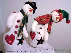 Resultado de imagen para nieves derretidos  en paño lency moldes Diy Christmas Ornaments, Christmas Snowman, Handmade Christmas, Christmas Stockings, Christmas Holidays, Christmas Decorations, Holiday Fun, Holiday Decor, Snowman Crafts