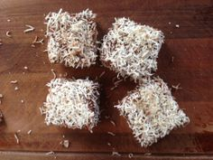They're an Aussie icon! Now you can enjoy sugar-free lamingtons with this great I Quit Sugar recipe. Sugar Free Snacks, Sugar Free Diet, Sugar Free Desserts, Sugar Free Recipes, Raw Food Recipes, Healthy Recipes, Raw Desserts, Snacks Recipes, Sweet Recipes