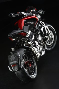Full photos and details of MV Agusta Brutale and Dragster 800 RR Indian Motorcycles, Triumph Motorcycles, Cars And Motorcycles, Bobber Motorcycle, Motorcycle Design, Ducati, Yamaha, Mv Agusta Dragster, Cb 1000