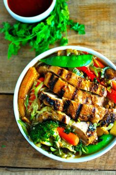 6. Smoky Grilled Chicken With Zucchini Ramen Noodles #healthy #ramen #recipes http://greatist.com/eat/healthier-ramen-recipes