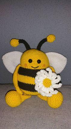 Bijtje Bella gehaakt door Babette #haken #haakpatroon #gehaakt #amigurumi #knuffel #gehaakt #crochet #häkeln #cutedutch