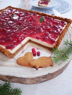 Cheesecake med lingon och pepparkaka | erikasfikastund Swedish Christmas Food, Christmas Sweets, Christmas Baking, Christmas Ideas, Cheesecake Recipes, Dessert Recipes, Delicious Desserts, Yummy Food, New Year's Food