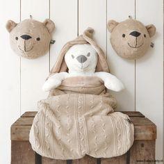 Luxury Deze berekop is een blikvanger op je babykamer leverbaar in diverse kleuren