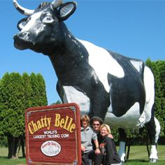 The world's largest talking cow + 17 of The World's Largest Things to See in Wisconsin