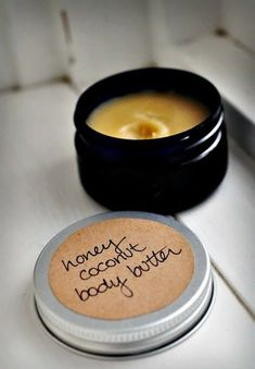 Learn how to make Honey Coconut Body Butter with this free recipe using inexpensive natural ingredients like golden beeswax and coconut oil. Diy Beauty Makeup, Beauty Tips, Homemade Body Butter, Homemade Generator, Tips Belleza, Beauty Routines, Good Skin, The Balm, Herbalism