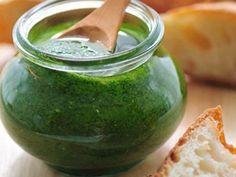 Rocket and Walnut Pesto Dill Sauce, Pesto Sauce, Top Salad Recipe, Nut Free Pesto, Salsa Pesto, Basil Pesto Recipes, Vegetarian Recipes, Cooking Recipes, Walnut Pesto