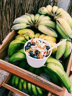 BROOKLYN HAWAI'I: TRAVELS, STORIES, + PHOTOS | The best part of waking up is açaí in your cup! //...