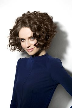 short-curly-layered-haircut-2017 ~ Pelo-largo.com