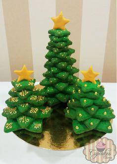Galletas árbol de navidad con estrellas