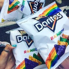 Uploaded by Divine Queen. Find images and videos about rainbow, theme and doritos on We Heart It - the app to get lost in what you love. Doritos, Unicorn Foods, Good Food, Yummy Food, Snack Recipes, Snacks, Weird Food, Food Humor, Unicorn Birthday Parties