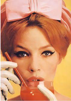 Pink bow  Photo by William Klein, 1959