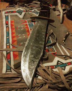 29 отметок «Нравится», 2 комментариев — ★ Geremia Giangrandi ★ (@geremigian) в Instagram: «Damascus Bowie knife Bowie ... The best knife ever ! #native #bowie #bowieknife #knife #knifeporn…»