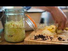 Sauerkraut selber machen - genaue Anleitung! - YouTube Fermented Sauerkraut, Food Inspiration, Pickles, Cucumber, Cabbage, Youtube, Recipes, Zero Waste, Pantry