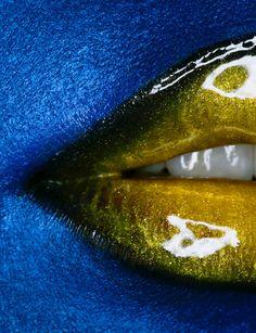 Yellow glossy lips