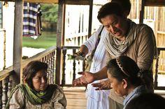 Behind the scenes of Brillante Mendoza's THY WOMB(2012).