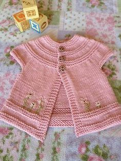 Stricken in threes: a baby cardigan pattern by Kelly Herdrich, Baby Knitting Patterns, Baby Cardigan Knitting Pattern, Knitting For Kids, Baby Patterns, Vintage Patterns, Cardigan Bebe, Knit Baby Sweaters, Knitted Baby, Baby Knits