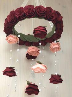 Diy Home Crafts, Diy Arts And Crafts, Baby Crafts, Crafts For Kids, Paper Crafts, Paper Flowers Diy, Felt Flowers, Felt Roses, Floral Nursery
