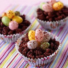 Easter Egg Nest/looks pretty yummy-and easy!