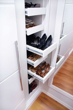 The Best Shoes Rack Design Ideas That Are Trending Today 23 - Welcome My Decor Master Closet, Closet Bedroom, Closet Space, Walk In Closet, Shoe Closet, Best Shoe Rack, Diy Shoe Rack, Shoe Storage, Shoe Shelves